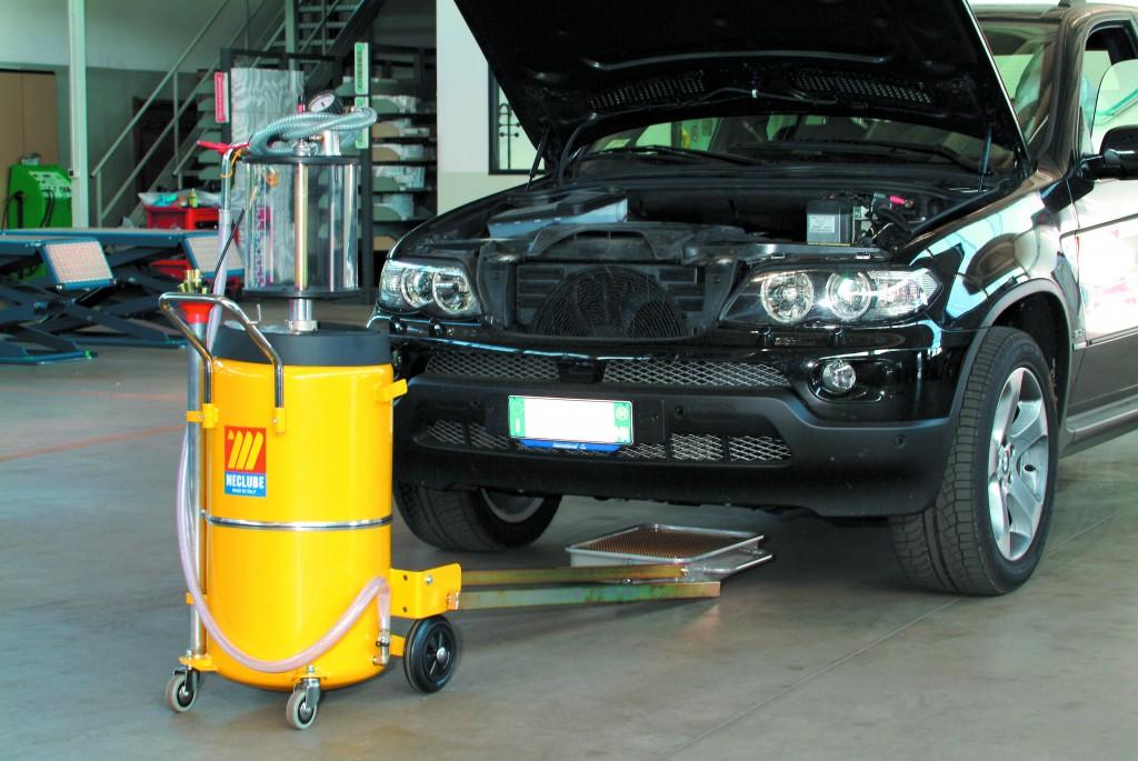 Ölabsauggeräte und Ölauffanggeräte von Meclube